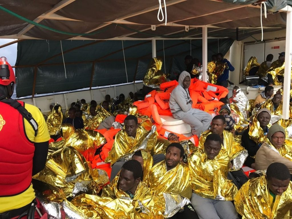 Las ONG rescatan a casi 250 inmigrantes en el Mediterráneo, los primeros de 2017