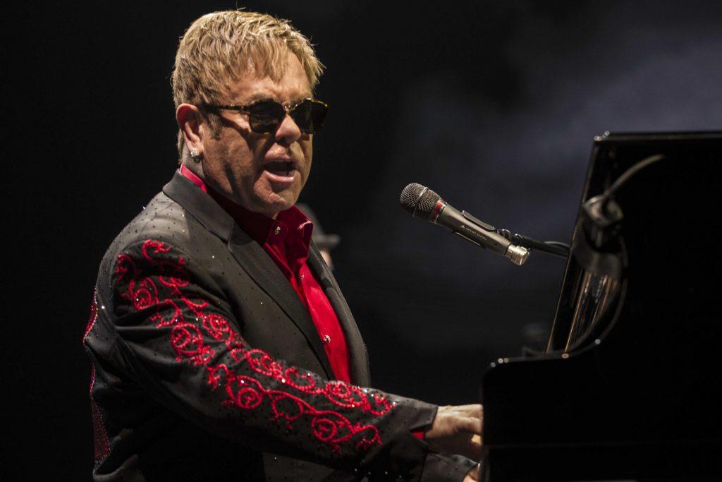 Elton John compondrá un musical basado en «El diablo viste de Prada»
