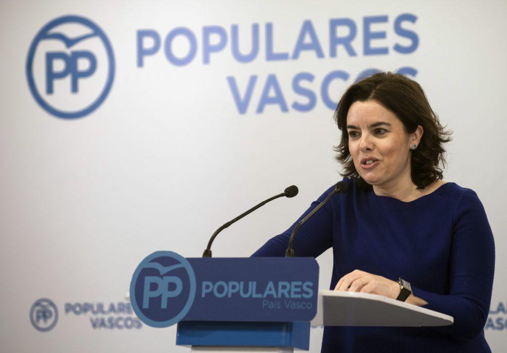 S.Santamaría pide defender derechos de la gente sobre los territoriales