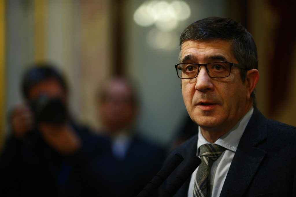Patxi López da la «bienvenida» a Sánchez al «debate de propuestas» y dice que ahora toca «confrontar proyectos»