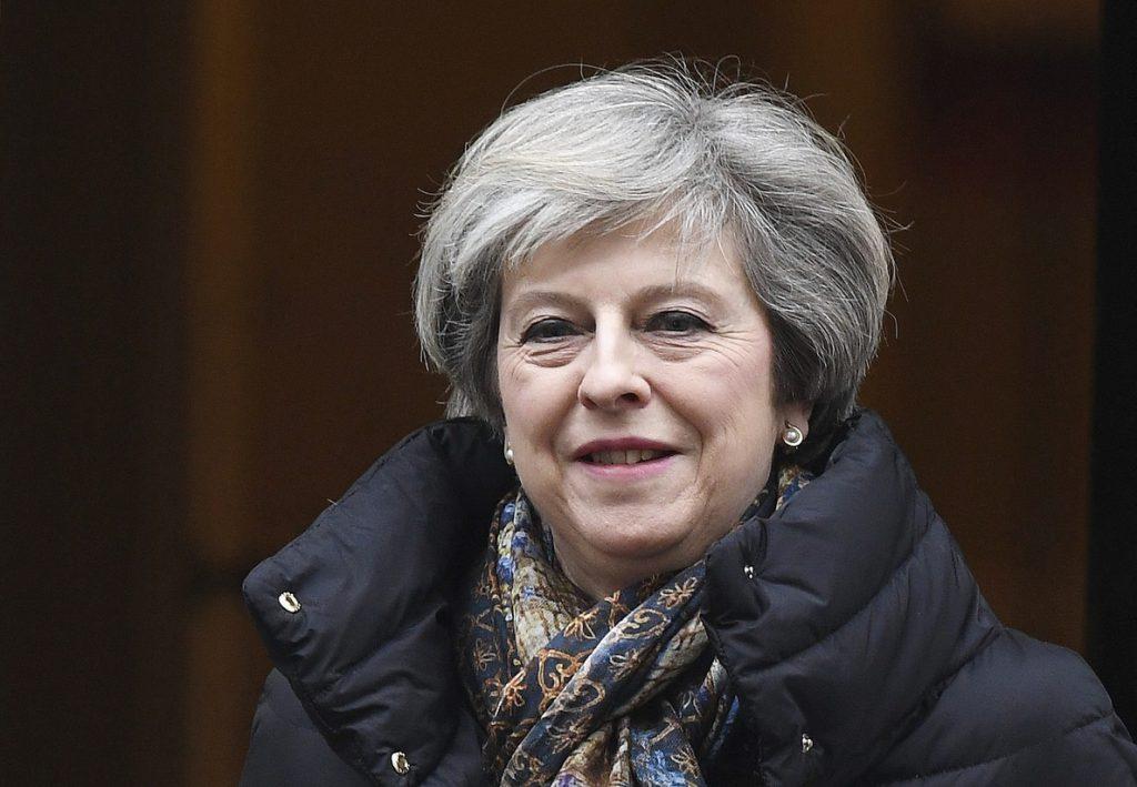 May ordena a sus ministros de Exteriores e Interior hablar con EE.UU