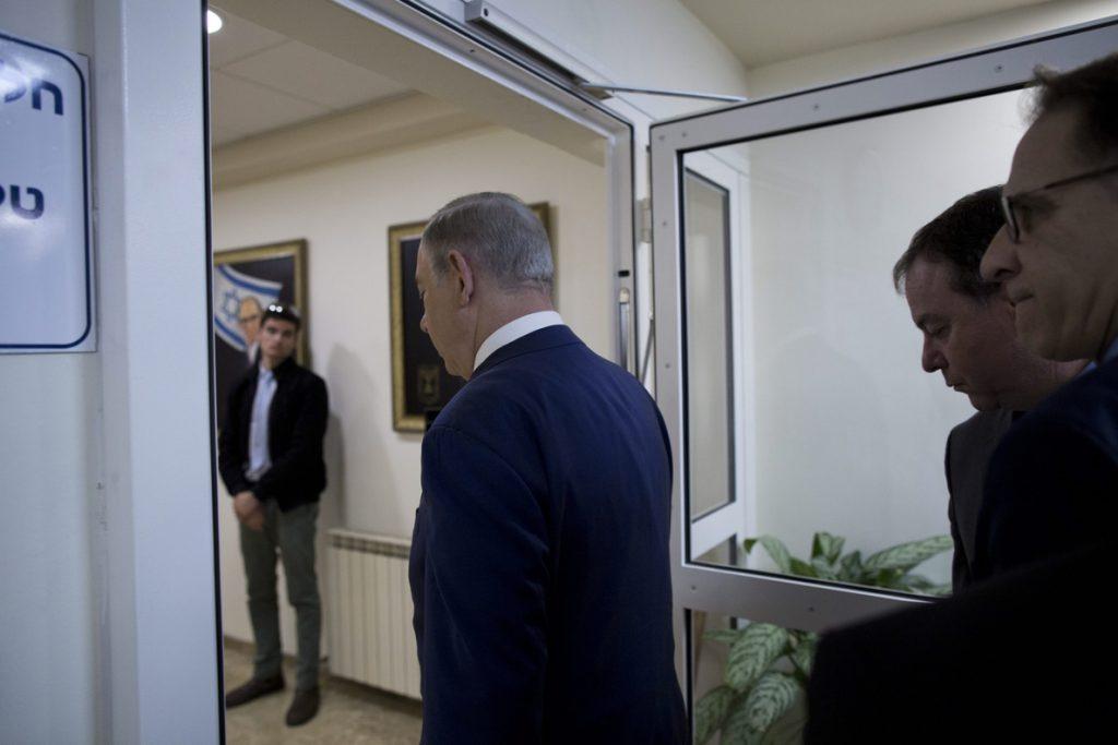 Netanyahu ordena someter a votación la 'Ley de regularización' de colonias