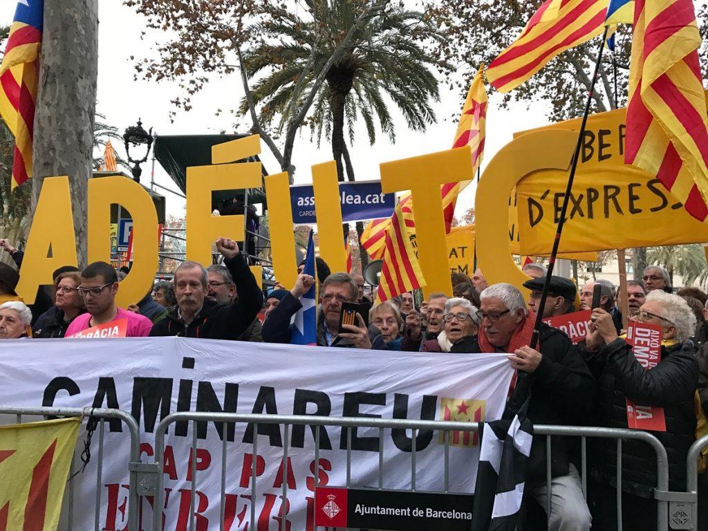 Las movilización por el juicio a Mas, Ortega y Rigau tiene más de 10.000 inscritos