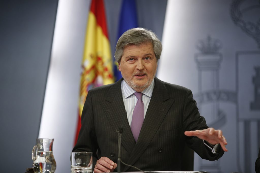 Educación afirma que el retraso de las becas a Cataluña se debe a que la Generalitat no ha firmado aún el convenio