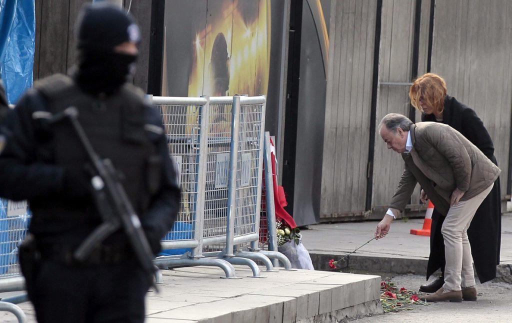Turquía envía a prisión a otros 9 sospechosos del atentado de Nochevieja
