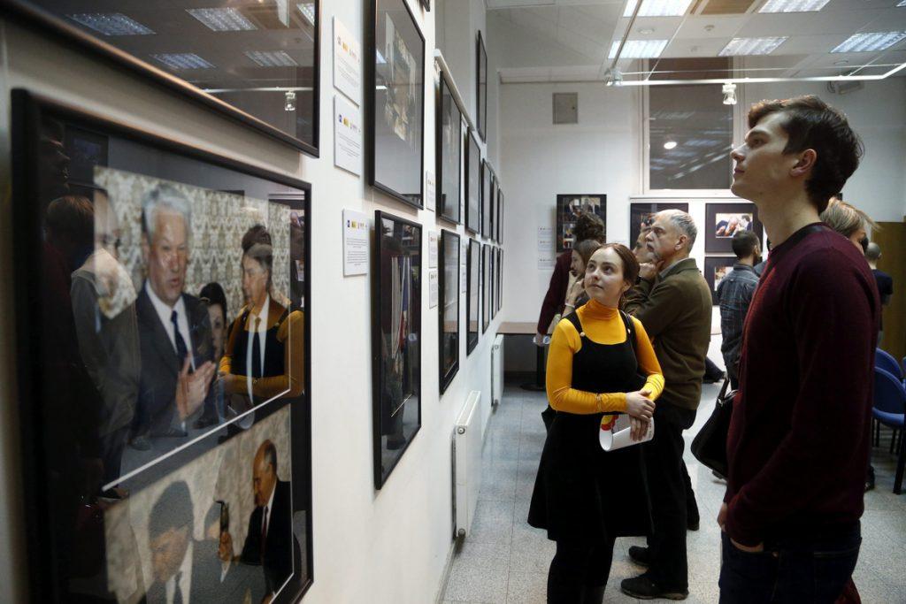 El Instituto Cervantes acoge una exposición de Efe sobre las relaciones Rusia-España