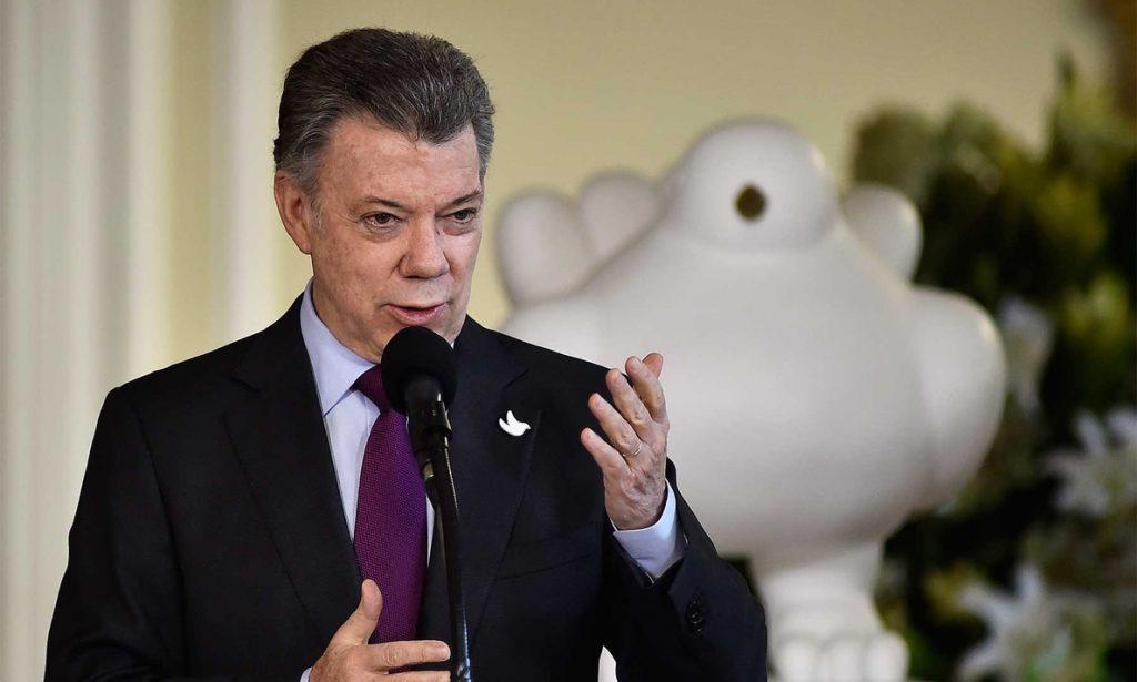 Santos dice que la liberación de Sánchez despeja el camino para lograr la «paz completa»