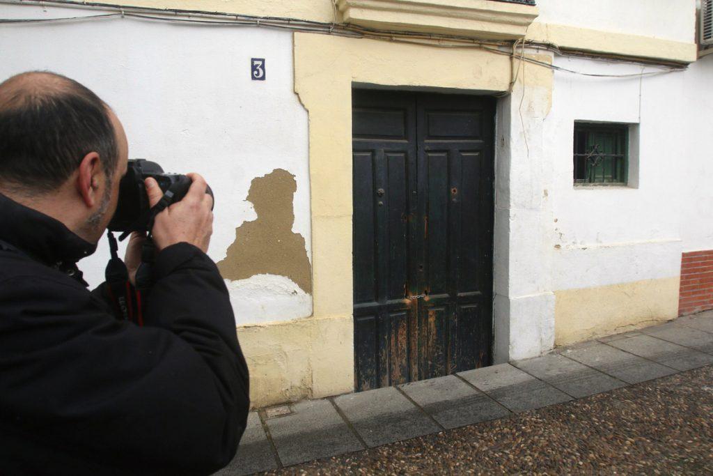 Detenida en Córdoba una mujer tras encontrarse un cadáver en su casa
