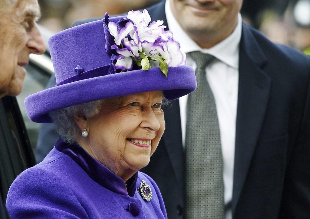 Isabel II celebra mañana su Jubileo de Zafiro, 65 años en el trono