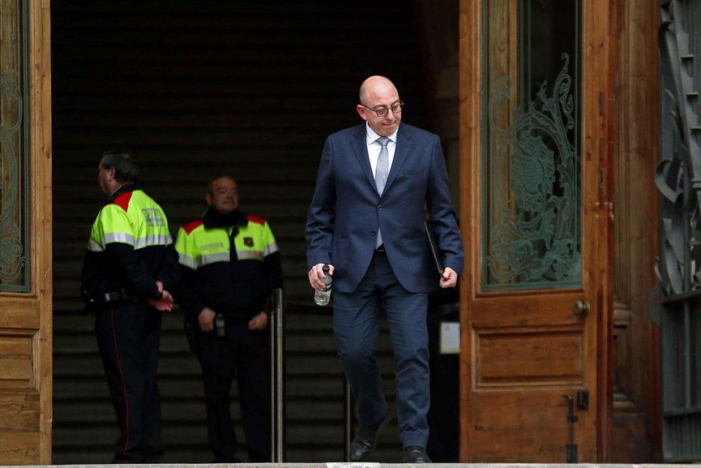 La Generalitat siguió preparando el 9N tras la suspensión del TC, según los testigos