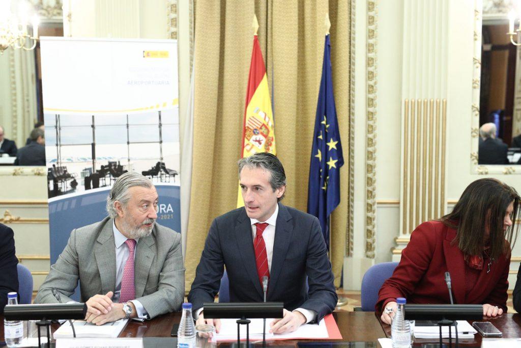 El Gobierno ve «indispensable» aprobar los presupuestos de 2017 para hacer un nuevo convenio de carreteras para Canarias