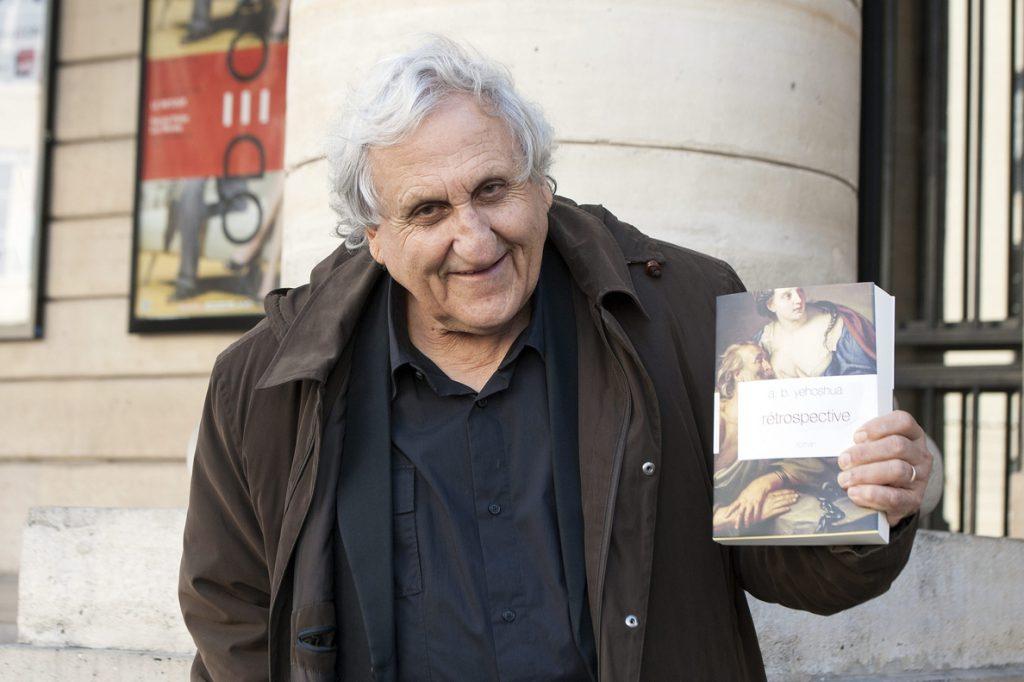 Yehoshua y Kincaid ganan el premio Dan David en Literatura, el Nobel israelí