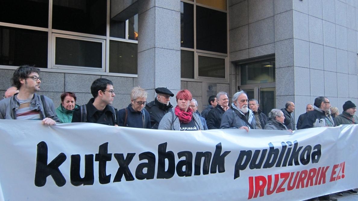 Acusación popular pide a PNV, PP y PSE ser «consecuentes cuando se demuestre el fraude» de pagos de Kutxabank