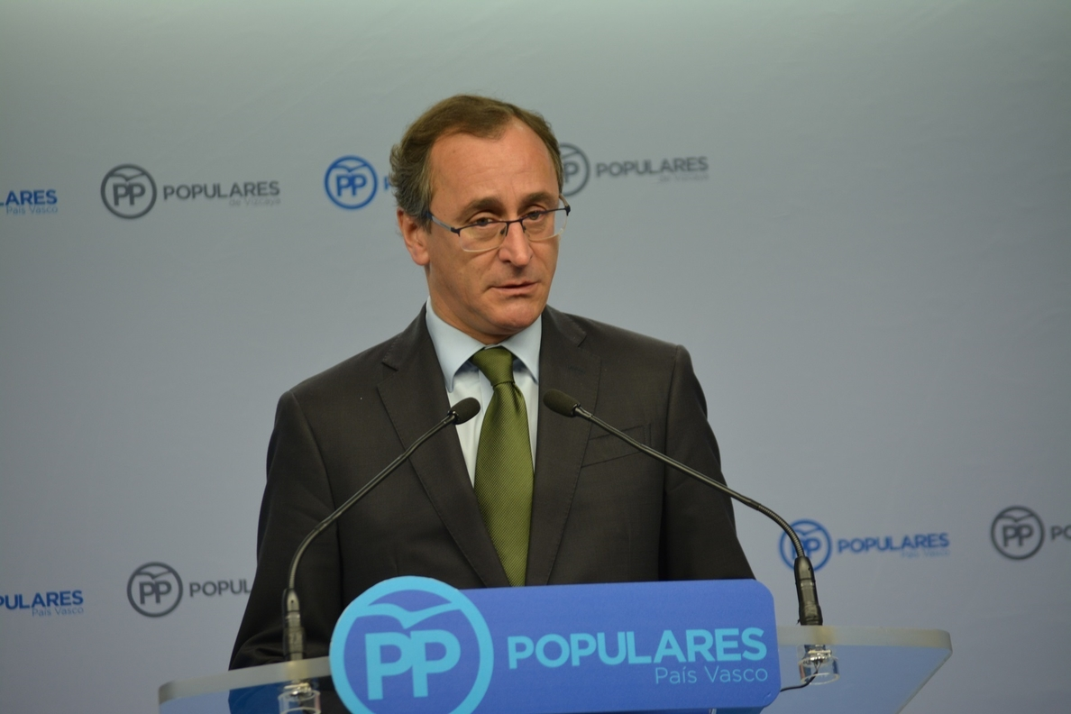 Alonso se presenta «con ilusión» al Congreso que le reelegirá como presidente de PP vasco sin rivales