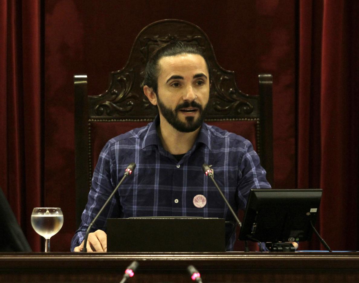 Baltasar Picornell, de Podemos, nuevo presidente del Parlament balear