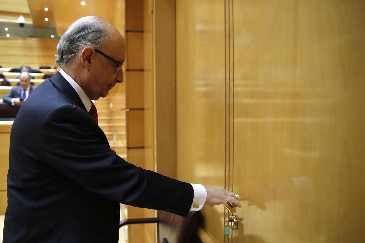 Cristóbal Montoro llama al PNV para hablar de los presupuestos de 2017