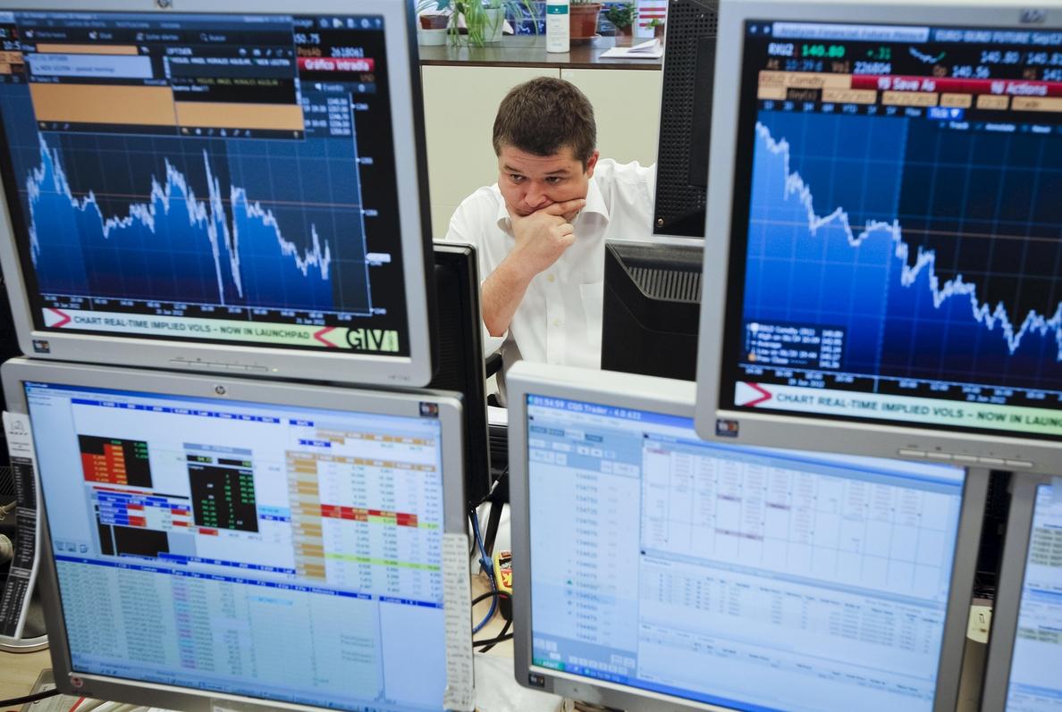 España coloca 5.006 millones en letras a un interés aún más negativo