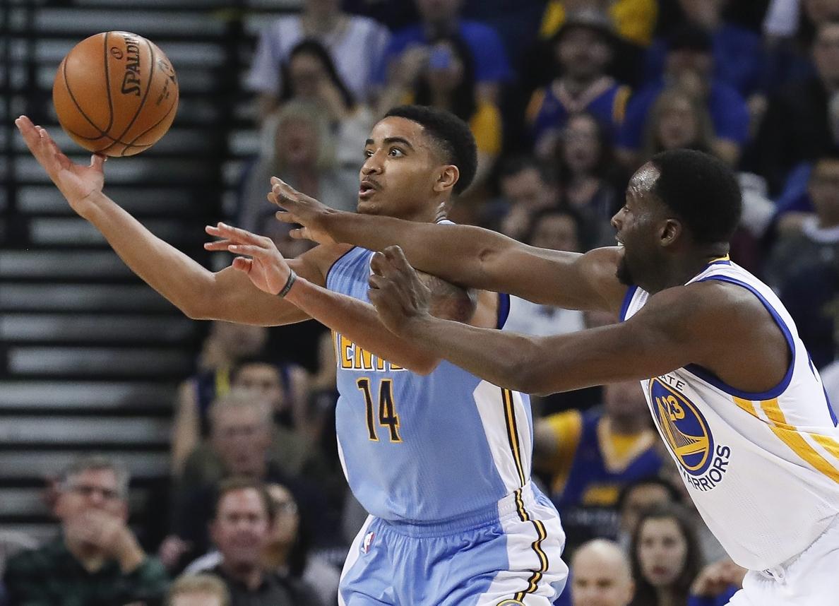 Los Nuggets humillan a los Warriors; los Spurs se recuperan; triunfos de los Celtics y los Wizard