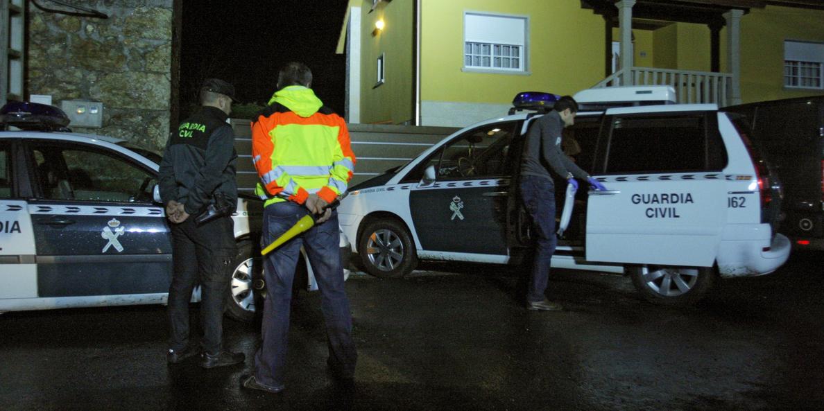 Las autopsias apuntan a que el varón disparó a su suegra antes de suicidarse