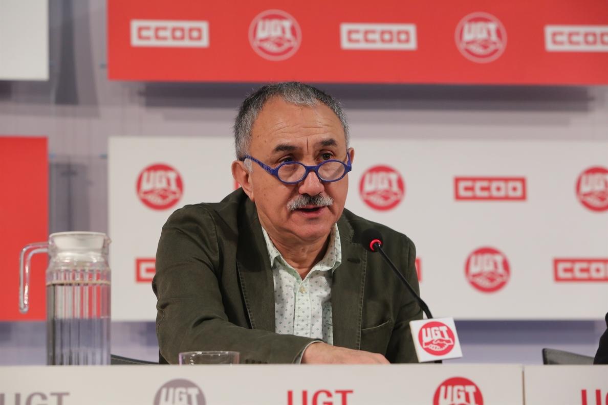 Álvarez (UGT) dice que «cada día que pasa» la patronal pierde la oportunidad de cerrar un acuerdo de salarios