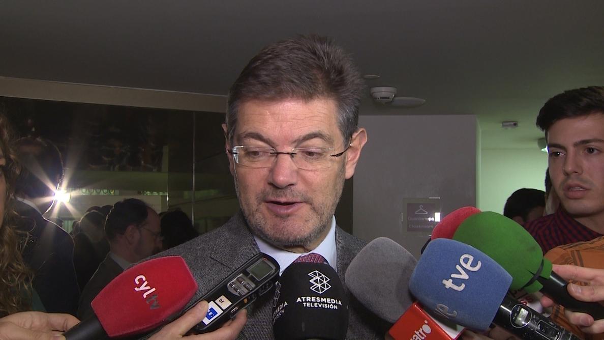 El Gobierno defiende la autonomía de la Fiscalía y niega haberle ordenado no acusar al presidente de Murcia