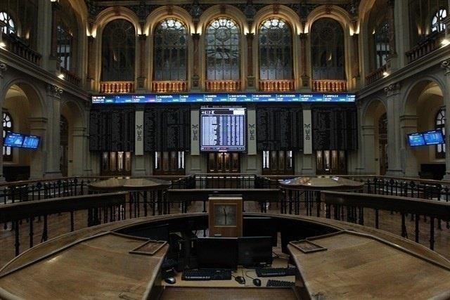 El Ibex sube un 0,51% a media sesión y conserva los 9.500 impulsado por la banca