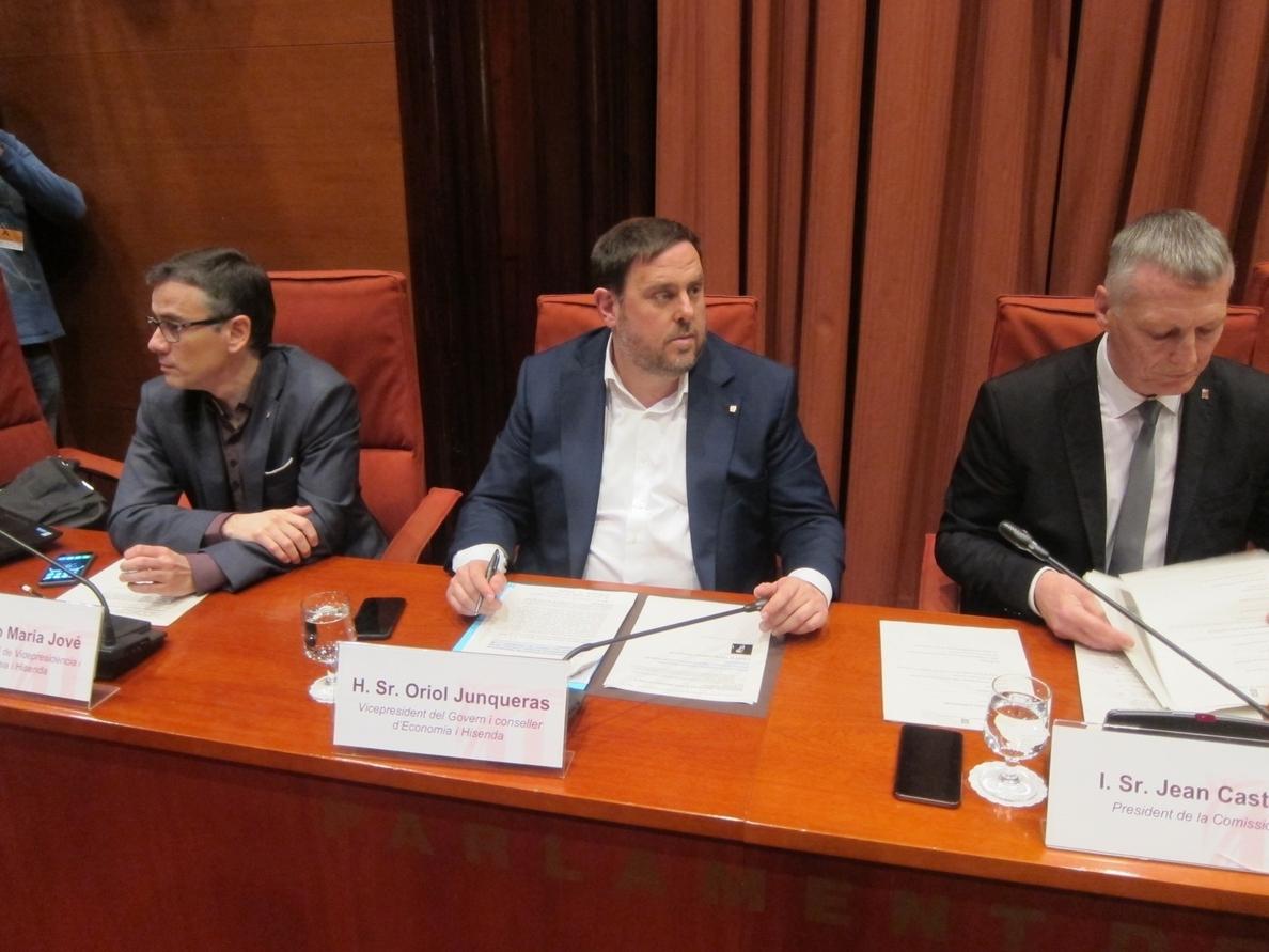 Junqueras contrapone su reacción a Vidal a la de Rajoy con la »Operación Cataluña»