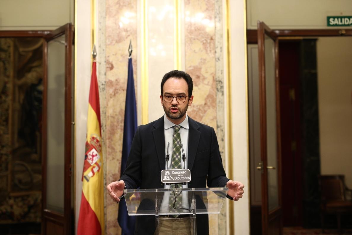 El PSOE preguntará a Rajoy si piensa retrasar la jubilación como le ha propuesto el Banco de España