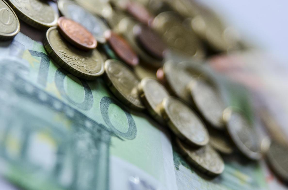 El Tesoro intentará captar hoy hasta 5.000 millones de euros en una subasta de bonos