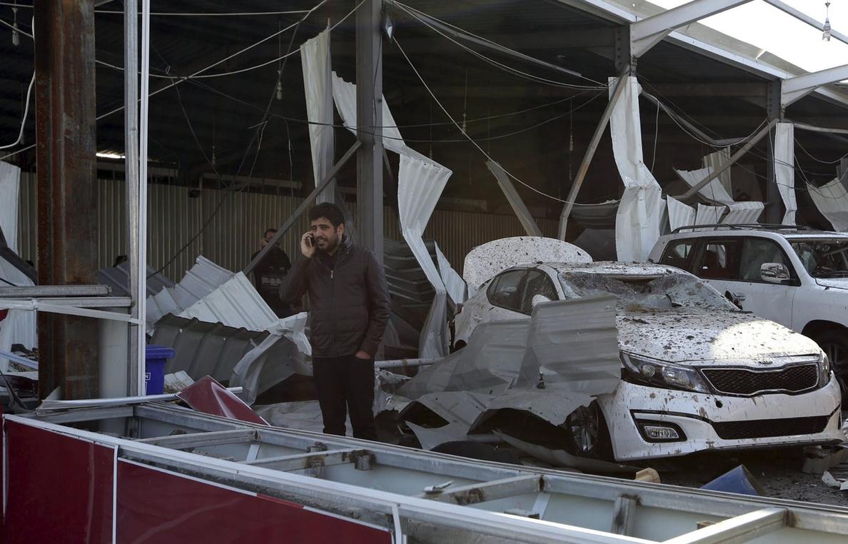 Al menos 17 muertos en un ataque con coche bomba en el suroeste de Bagdad