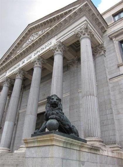 La nueva normativa de contratación pública pasa hoy su primer examen en el Congreso