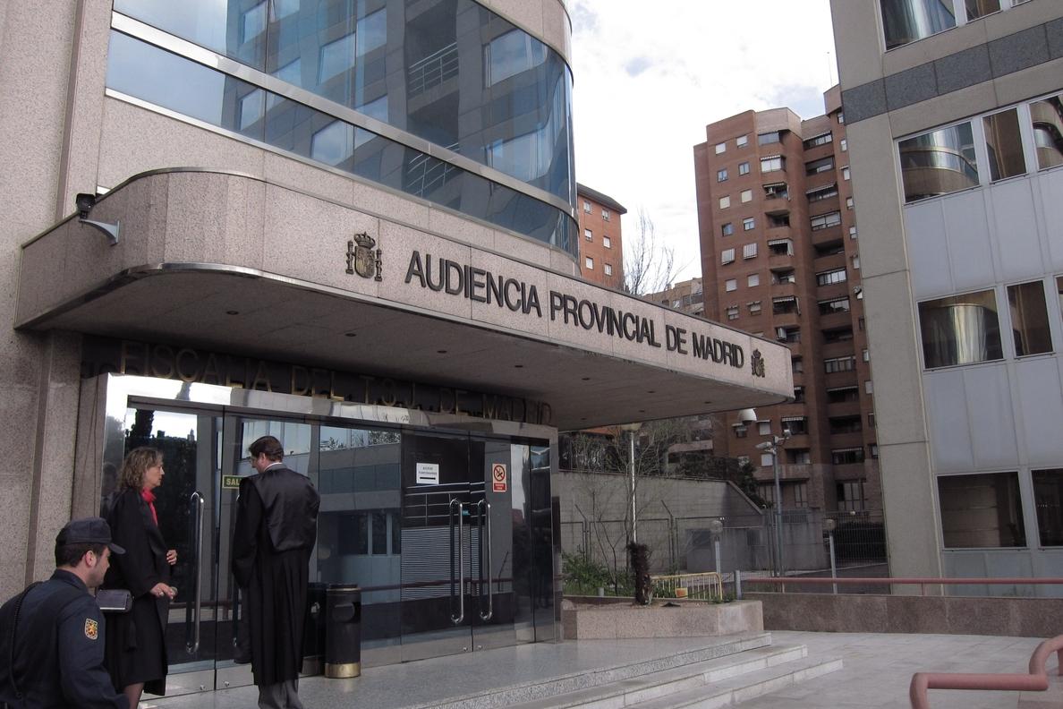 Piden 20 años de cárcel para un hombre acusado de matar a su mujer en Madrid