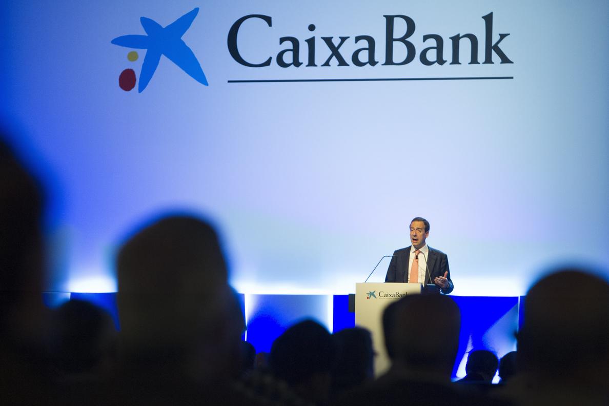 CaixaBank plantea a los sindicatos un ERE de 8.300 despidos, el 18% de la plantilla