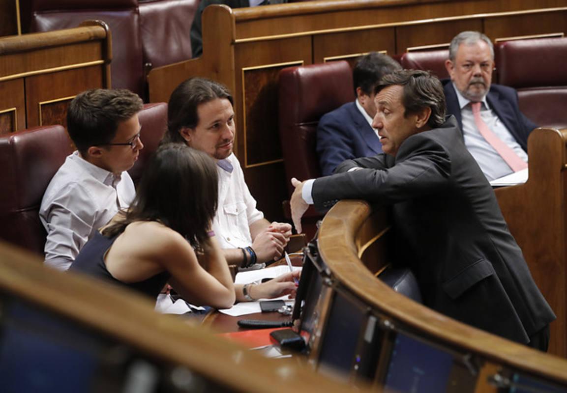 Así ha sido el 'zasca' de Pablo Iglesias a Rafael Hernando