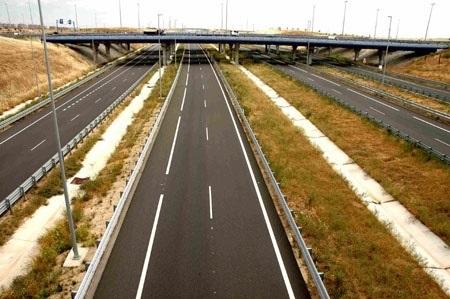 Rajoy anuncia 5000 millones de inversión para construir autovías sin peajes