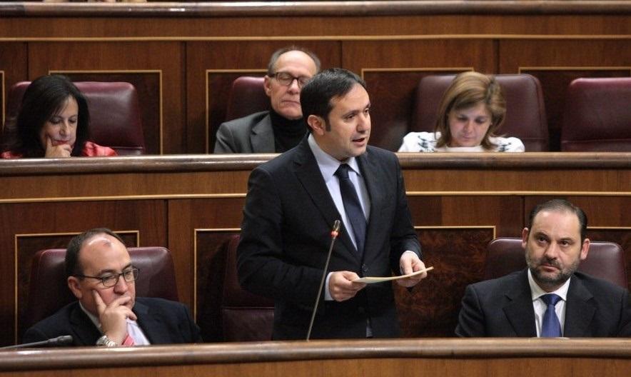 El PSOE culmina su cambio de postura pidiendo en el Congreso una comisión de investigación sobre el accidente de Angrois
