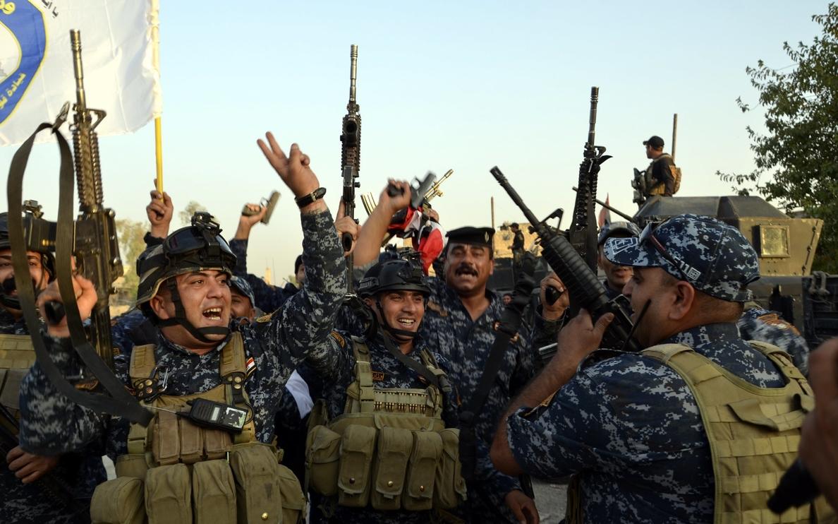 Fuerzas iraquíes retoman el control de un pueblo al sur de Mosul en manos del EI