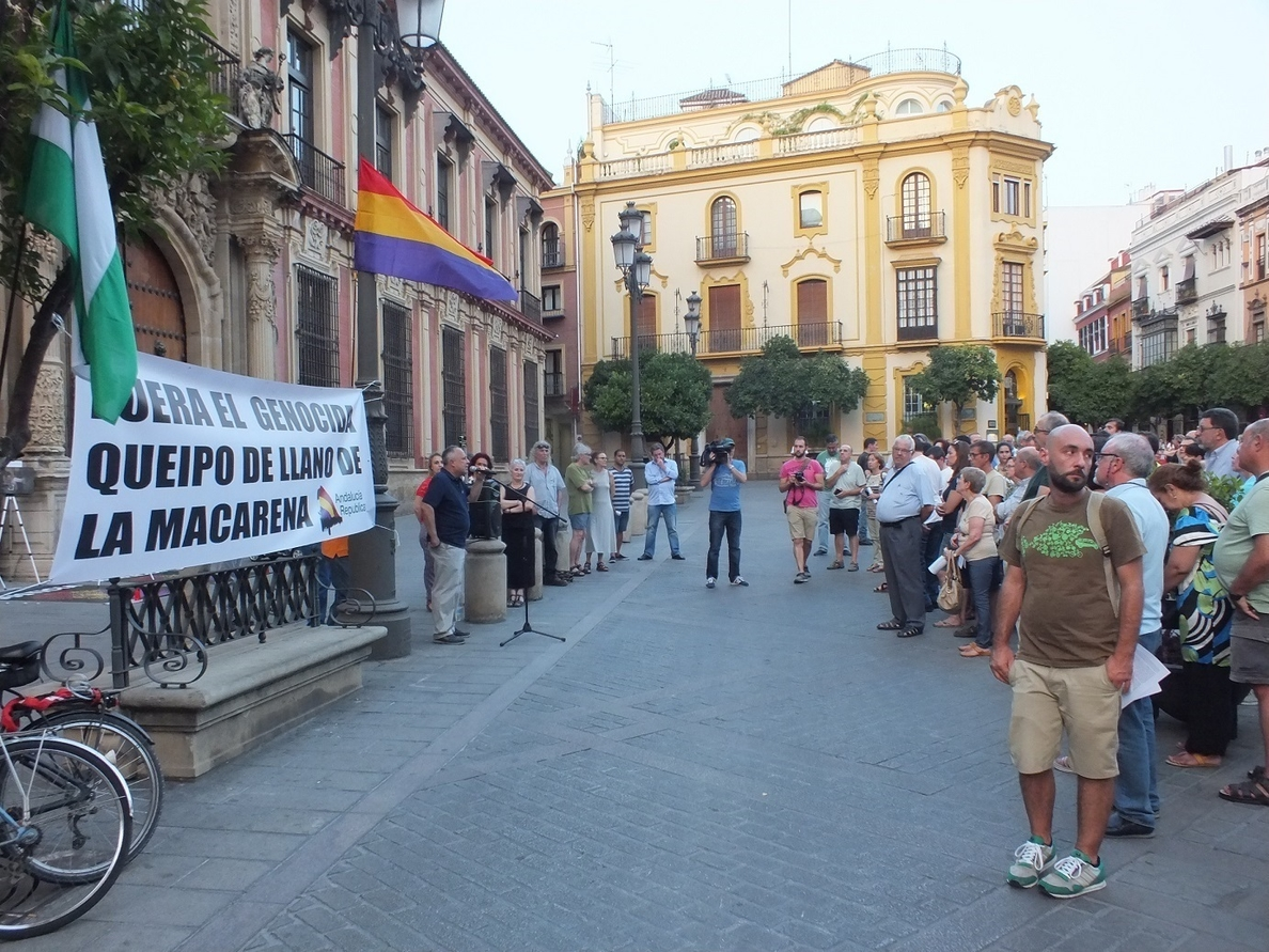 El Ayuntamiento de Sevilla espera que la hermandad de la Macarena «responda» a su carta sobre Queipo de Llano