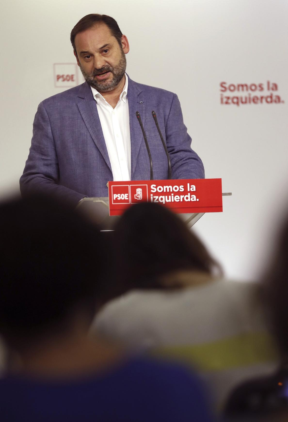 Ábalos reclama prudencia con Cataluña y evitar anuncios que suenen a amenaza