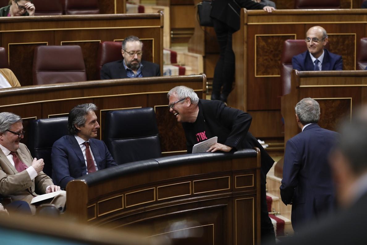 En Comú exige explicaciones a De la Serna y la dimisión de Vargas por el conflicto en El Prat