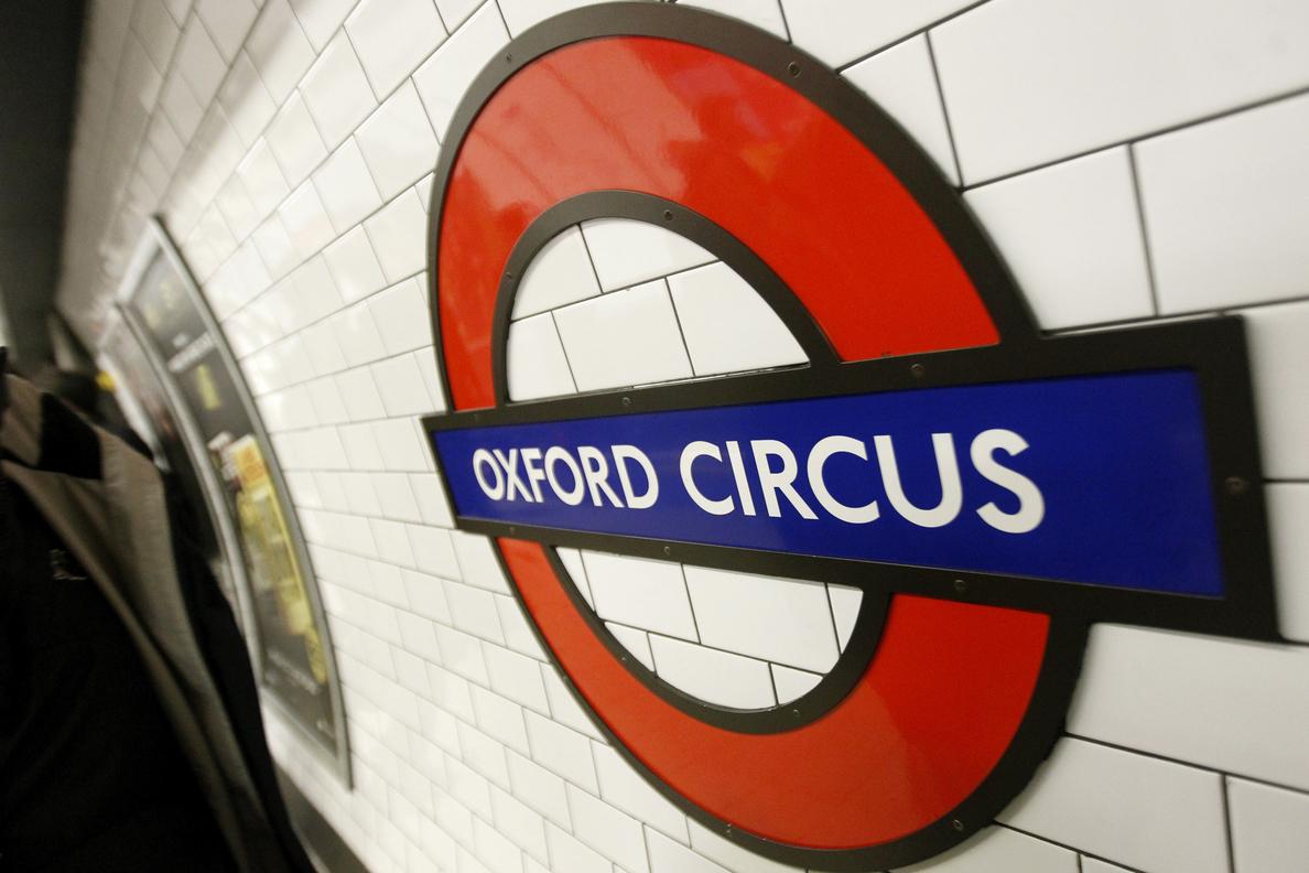 Evacúan la estación de metro de Oxford Circus por un incendio