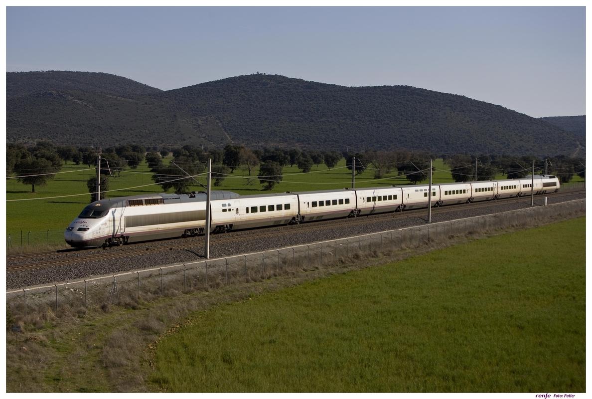 La huelga del servicio a bordo del AVE registra un «escaso seguimiento», según Ferrovial