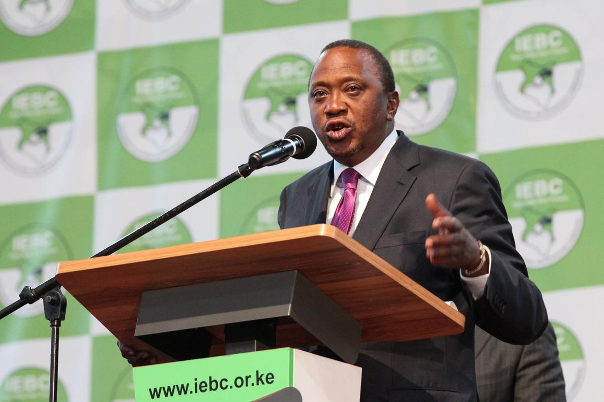 Presidente de Kenia es reelegido entre acusación de amaño y graves disturbios