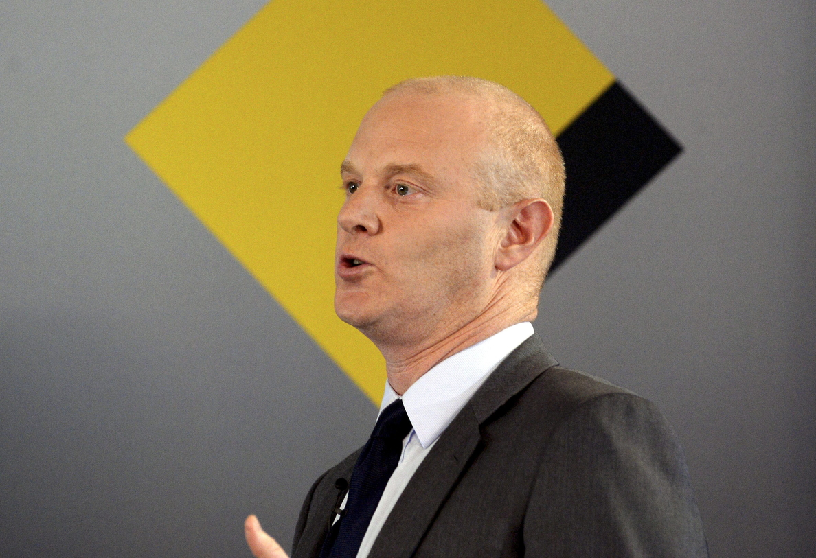 Director de Commonwealth Bank de Australia anuncia su retirada tras escándalo