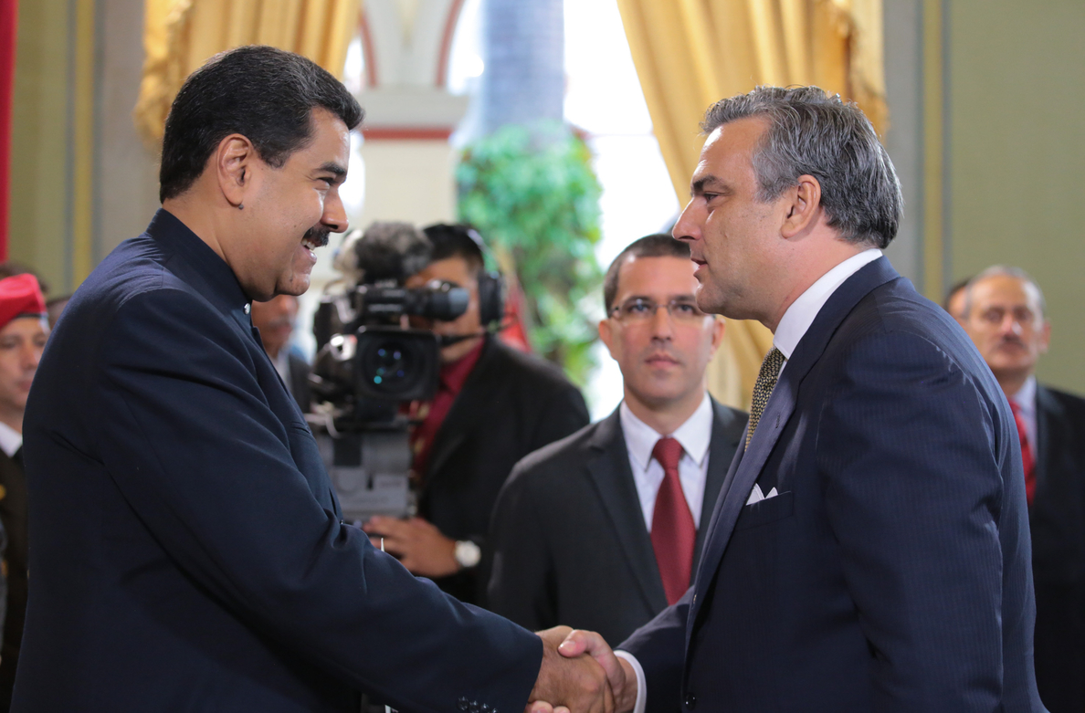 El embajador de España en Venezuela presenta sus credenciales a Nicolás Maduro