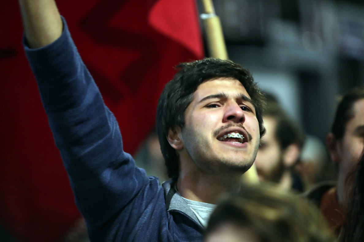 Piden más presupuesto para la educación en una marcha por los mártires estudiantiles