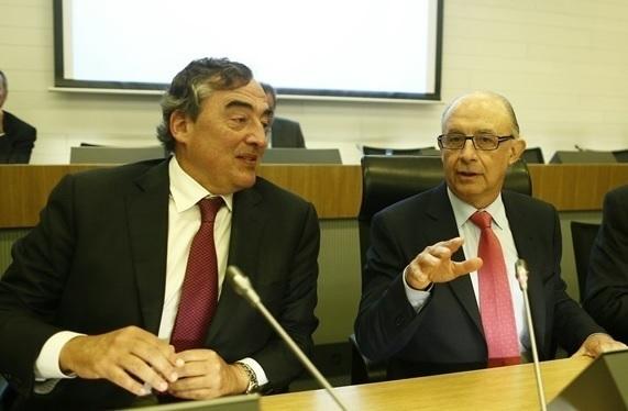 Entran en vigor los acuerdos de Hacienda con CEOE, la Cámara, ATA y Cermi para reducir cargas administrativas
