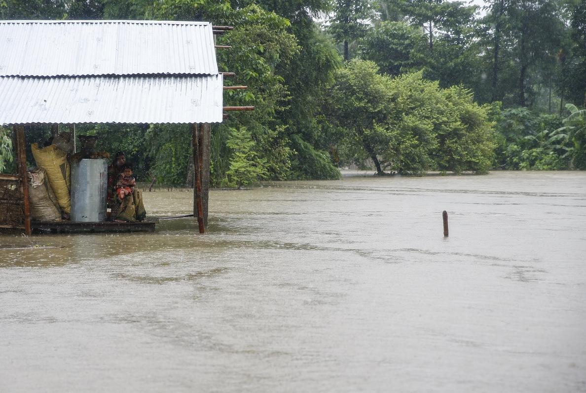 La «mayor parte» de los turistas españoles en Nepal abandonan la zona inundada