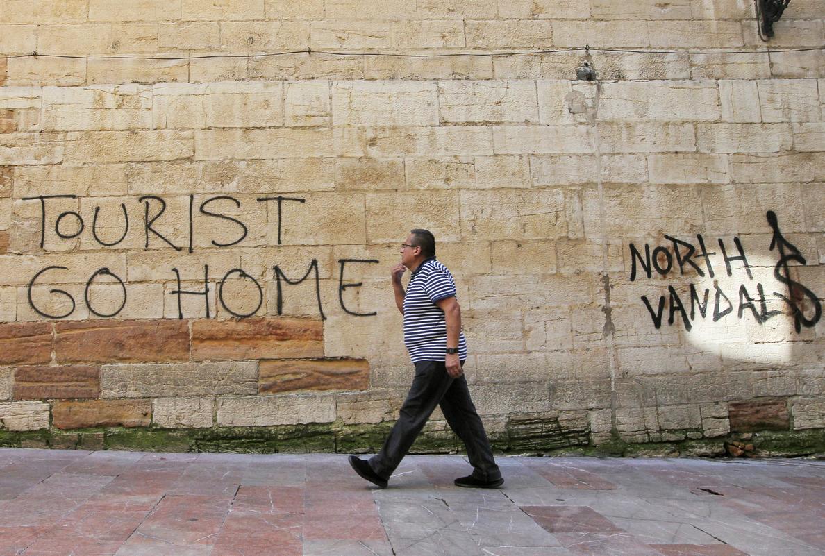Turismofobia vs. Turismofilia: el debate del verano en España