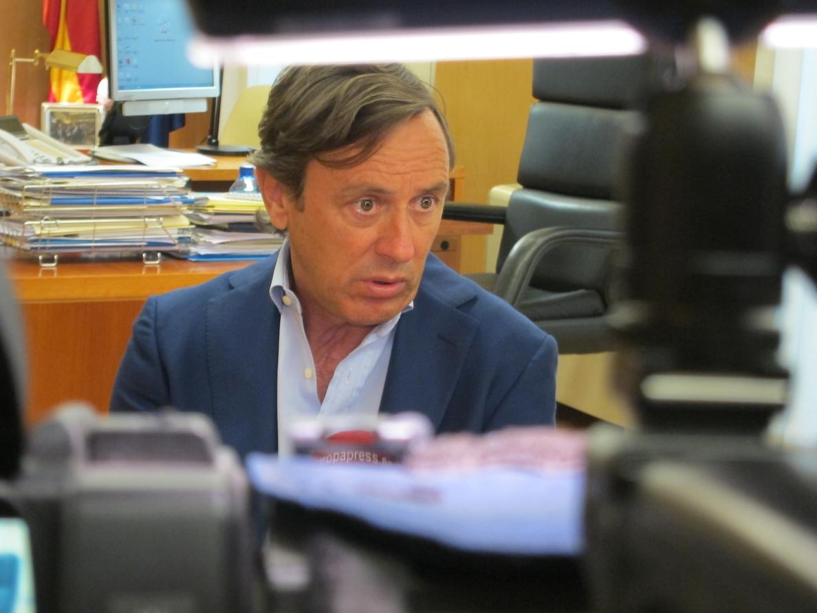 Hernando ve «razonable» el aumento del 18% ofrecido a los vigilantes de El Prat y avisa que está cerca de lo que pedían